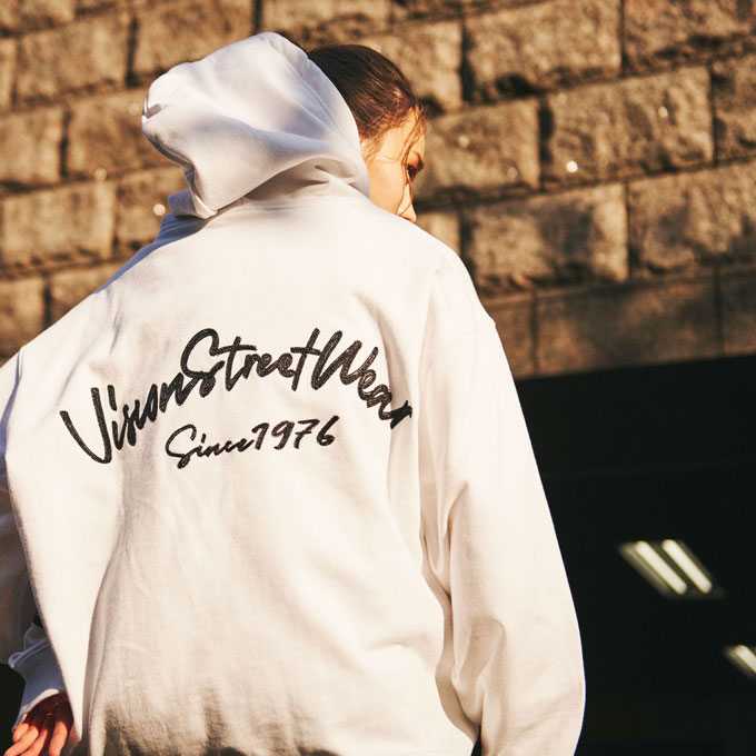 ーVintage emblem hoodie-